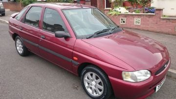1998 Ford Escort Finesse 16V  Red, low Mileage 62000